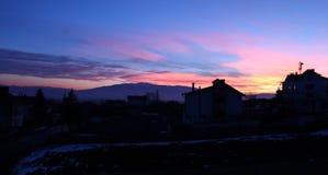 房子地平线日落的 免版税库存图片