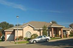 房子好的郊区 库存照片
