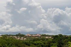 房子屋顶的建筑背景 免版税库存照片