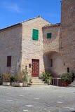 房子意大利小的村庄 免版税库存图片