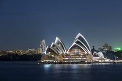 房子晚上歌剧悉尼 免版税图库摄影