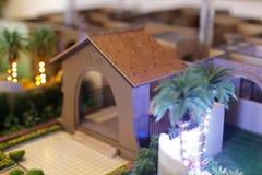房子模型有棕榈树的 免版税库存图片