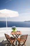 房子海岛露台火山santorini的视图 库存照片