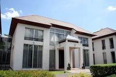 房子现代东方样式 免版税库存图片