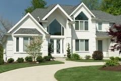 房子现代新 免版税库存图片
