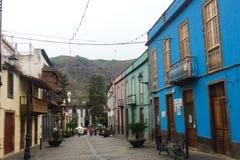 房子的五颜六色的门面在大加那利岛的Teror 图库摄影