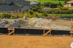 房子的Concreting基础,新西兰 库存图片