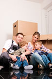 房子移动新他们 免版税库存图片