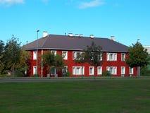 房子红色传统 免版税库存图片