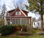 房子红色的一点 免版税库存图片