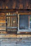 房子老视窗 免版税库存照片