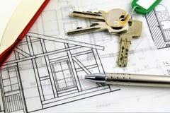 房子计划的一个概念图象和与钥匙 免版税库存图片