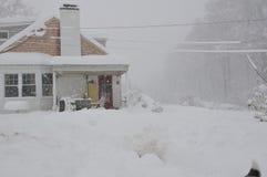 房子雪风暴 库存照片