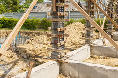 房子建筑的混凝土桩模子 库存照片
