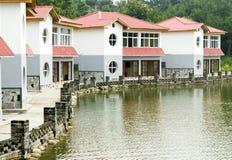 房子临近水 库存照片