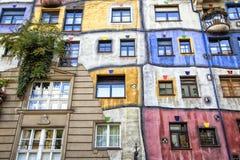 房子hundertwasser维也纳 免版税库存照片