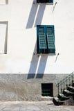 房子s关闭墙壁视窗 库存图片