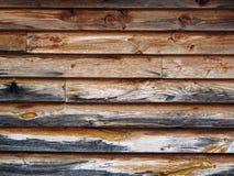 房屋板壁被风化的木头 免版税库存照片