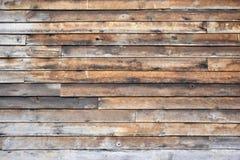 房屋板壁被风化的木头 库存照片
