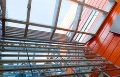 房屋板壁 金属板 被装双面玻璃的窗口 库存照片
