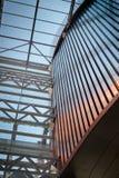 房屋板壁 金属板 被装双面玻璃的窗口 免版税图库摄影