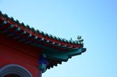 房檐和天空 库存照片
