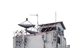 所有卫星盘、电视天线和手机网络天线 免版税图库摄影