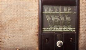 所有查出的徽标收音机被取消的葡萄酒白色 图库摄影