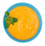 扁豆奶油色汤用新鲜薄荷,顶视图 库存照片