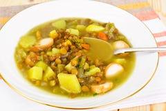 扁豆汤用香肠 免版税库存照片