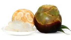 扇叶树头榈棕榈、在白色隔绝的棕榈汁或者桄榔果子 免版税库存图片
