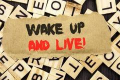 手写公告文本陈列醒并且居住 意味诱导成功梦想活生活挑战的概念书面  库存图片