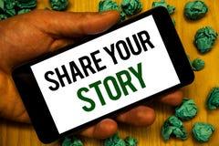 手写文本份额您的故事 拿着电话w的概念意思经验讲故事乡情想法记忆个人手 图库摄影