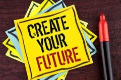 手写文本创造您的未来 在黄色稠粘写的概念意思事业目标目标改善集合计划学会 库存图片