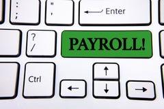 手写文本文字工资单诱导电话 意味总薪金的概念由公司支付了给在G写的它的雇员 免版税图库摄影