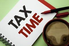 手写文本文字税时间 概念意思征税最后期限财务薪水会计付款在笔记写的收入收支 库存图片