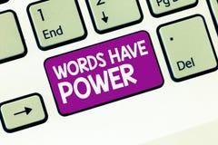 手写文本文字词有力量 概念意思能量能力愈合更加后面的帮助贬低并且欺凌 库存图片