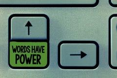 手写文本文字词有力量 概念意思能量能力愈合更加后面的帮助贬低并且欺凌 免版税库存照片