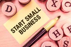 手写文本文字起动小企业 概念意思令人想往的企业家新的事业贸易产业 免版税库存照片