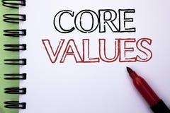 手写文本核心价值 在笔记本写的概念意思原则概念概念性责任代码组分预定 免版税库存照片