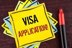 手写文本签证申请诱导电话 概念提供您的基本信息的意思板料写在黄色Sti 库存图片
