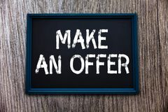 手写文本给予一个条件 概念意思提案带来志愿提议赠送出价格兰特 免版税库存图片