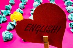 手写文本英国诱导电话 与英国相关的概念意思它的举行关于的人民或他们的语言晒衣夹 免版税库存图片