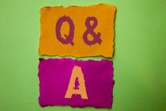 手写文本Q A 概念意思要求常见问题解答常常地要求解决疑义询问支持的问题帮助写在泪花纸  库存照片