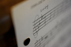 手写的音乐纸张 免版税库存照片