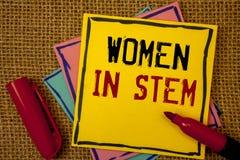 手写词根的文本妇女 概念意思科学技术工程学数学科学家研究 免版税库存图片