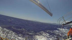 水手参加在爱琴海的航行赛船会第12 Ellada秋天2014 股票视频