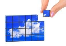 手和天空(我的照片)难题 免版税库存照片