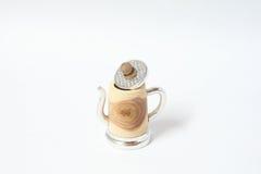 手工制造与锡的罐子木顶针 库存图片