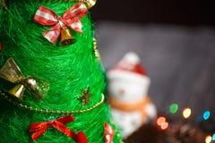 手工制造圣诞树关闭作为背景 免版税图库摄影